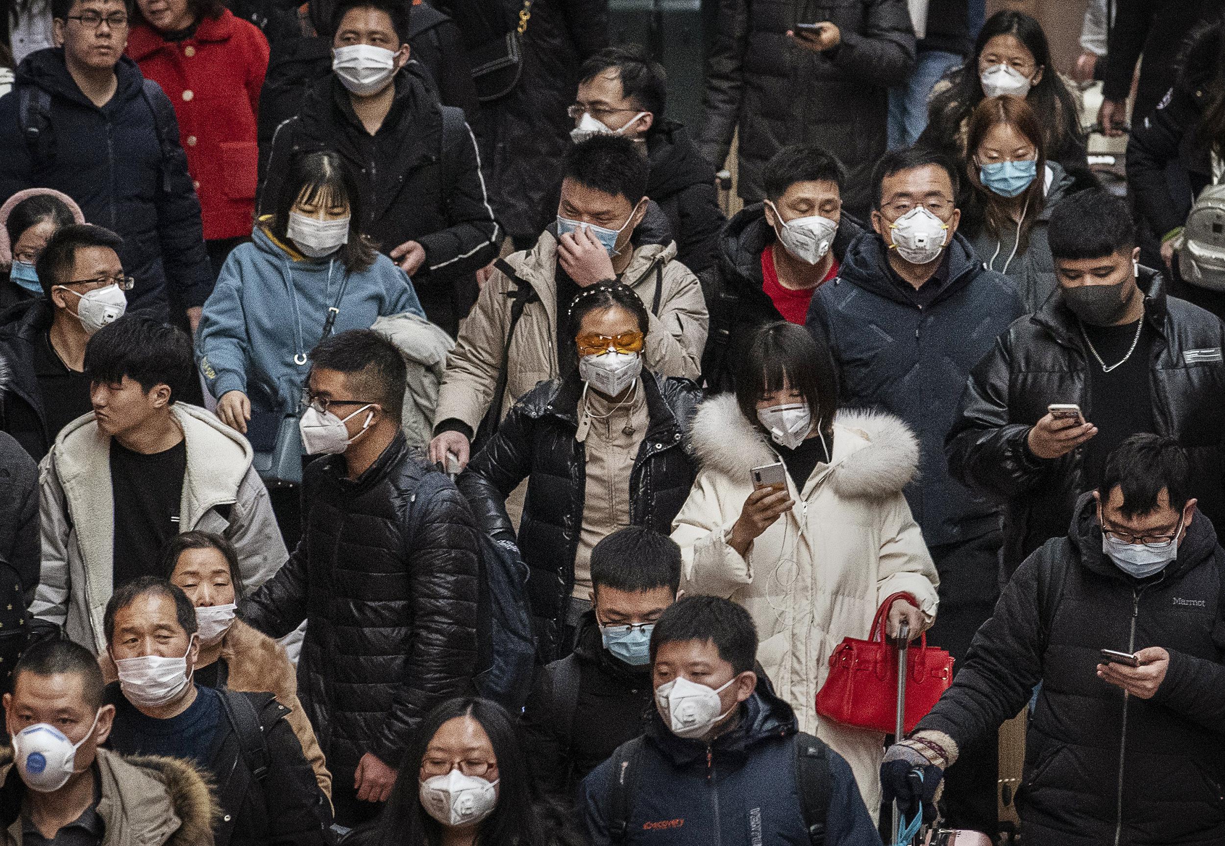 Con la propagación del coronavirus, aumentan los casos de xenofobia y discriminación contra personas asiáticas