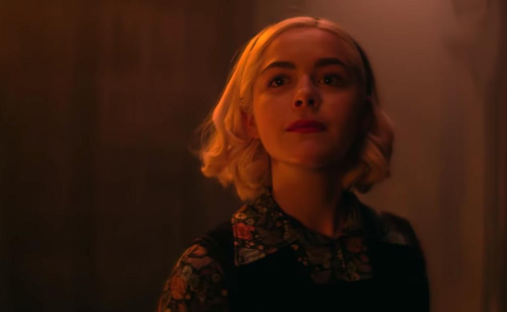 """""""Chilling Adventures of Sabrina"""": Sabrina tiene un nuevo trabajo como la reina del infierno en este nuevo trailer"""
