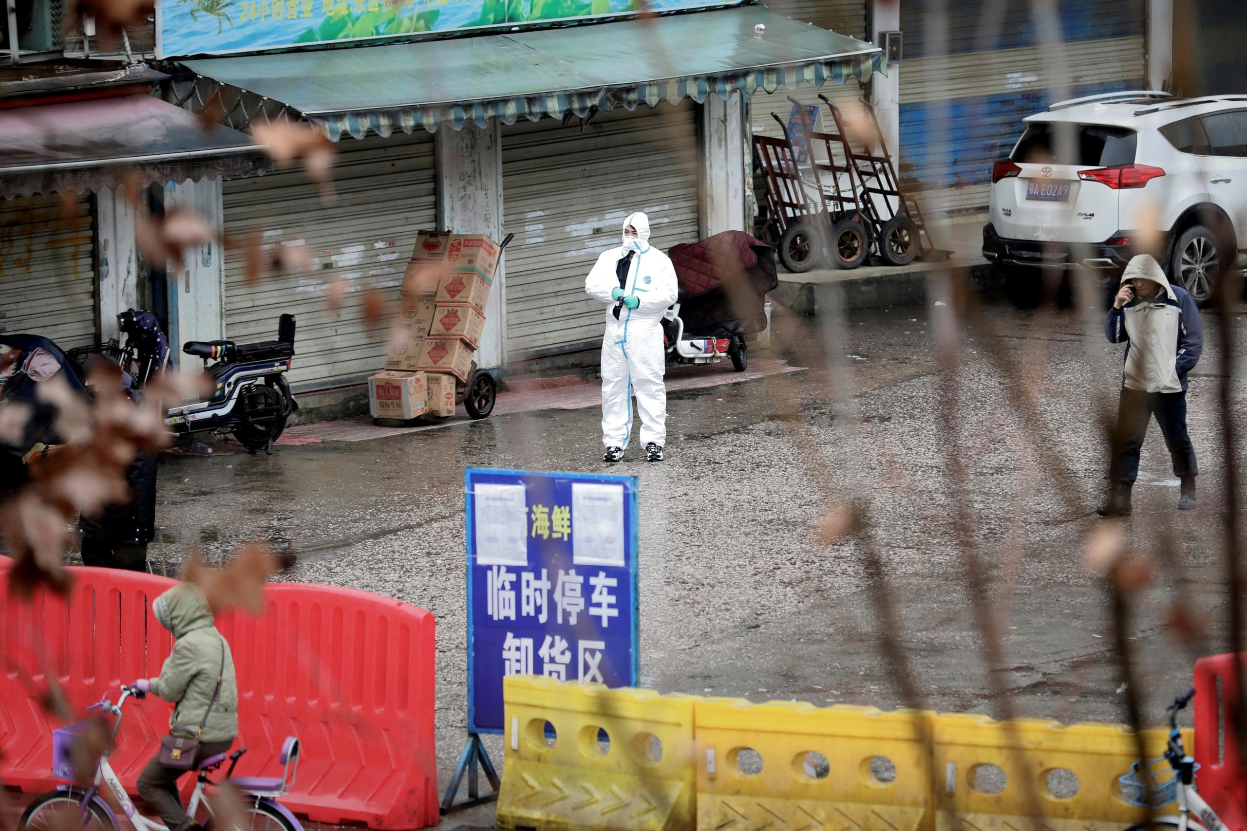 China: Se extiende la cuarentena por el coronavirus y ahora solo podrán salir de casa cada dos días por víveres