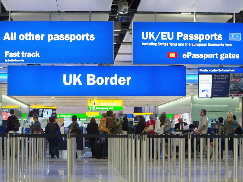 Reino Unido: Gobierno cerrará fronteras a trabajadores no calificados que no hablen inglés