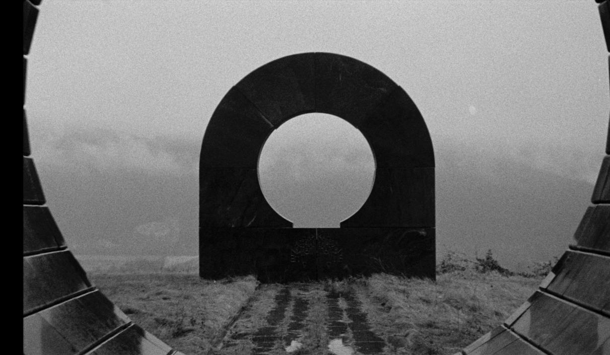 """""""Last and First Men"""": El tráiler del primer y último filme de Jóhann Jóhannsson es una oda al brutalismo con Tilda Swinton"""