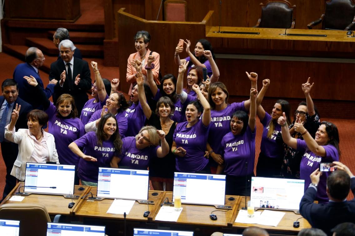 Senado chileno hace historia aprobando la paridad de género para proceso constituyente