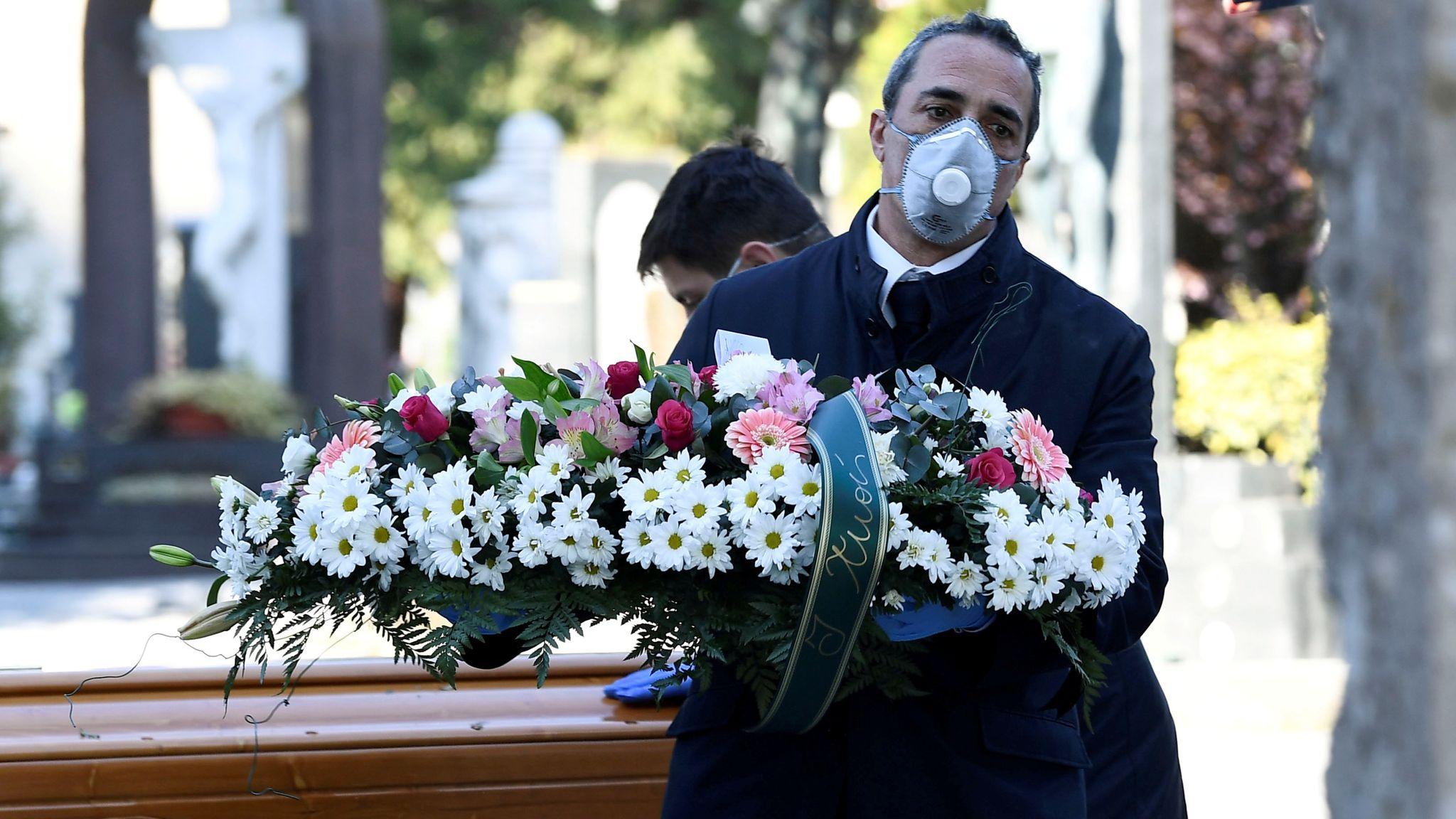 Gracias al COVID-19, los funerales ahora están siendo transmitidos por livestream
