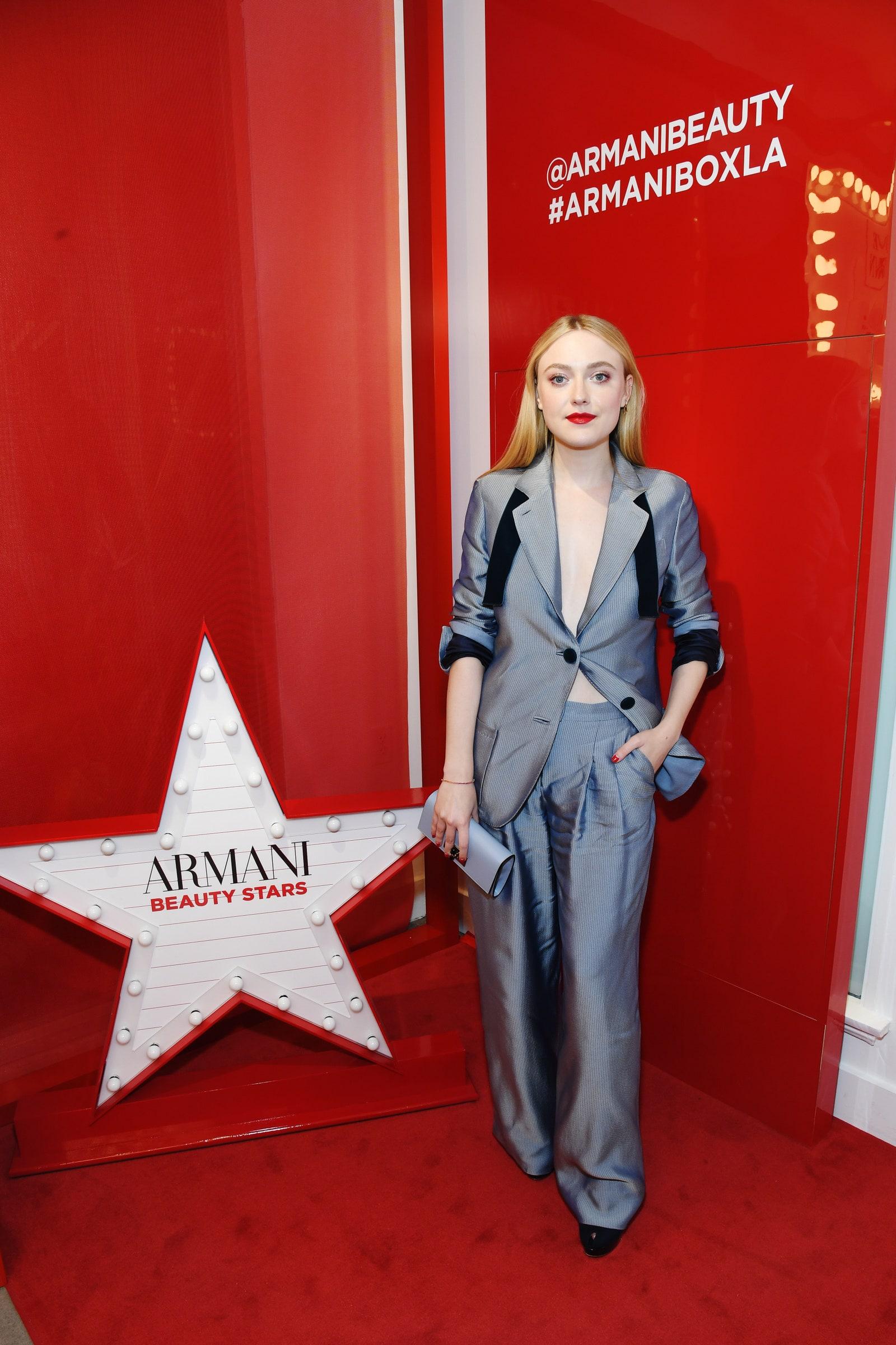 10 looks de Dakota Fanning que la convierten en una reina del glamour hollywoodense