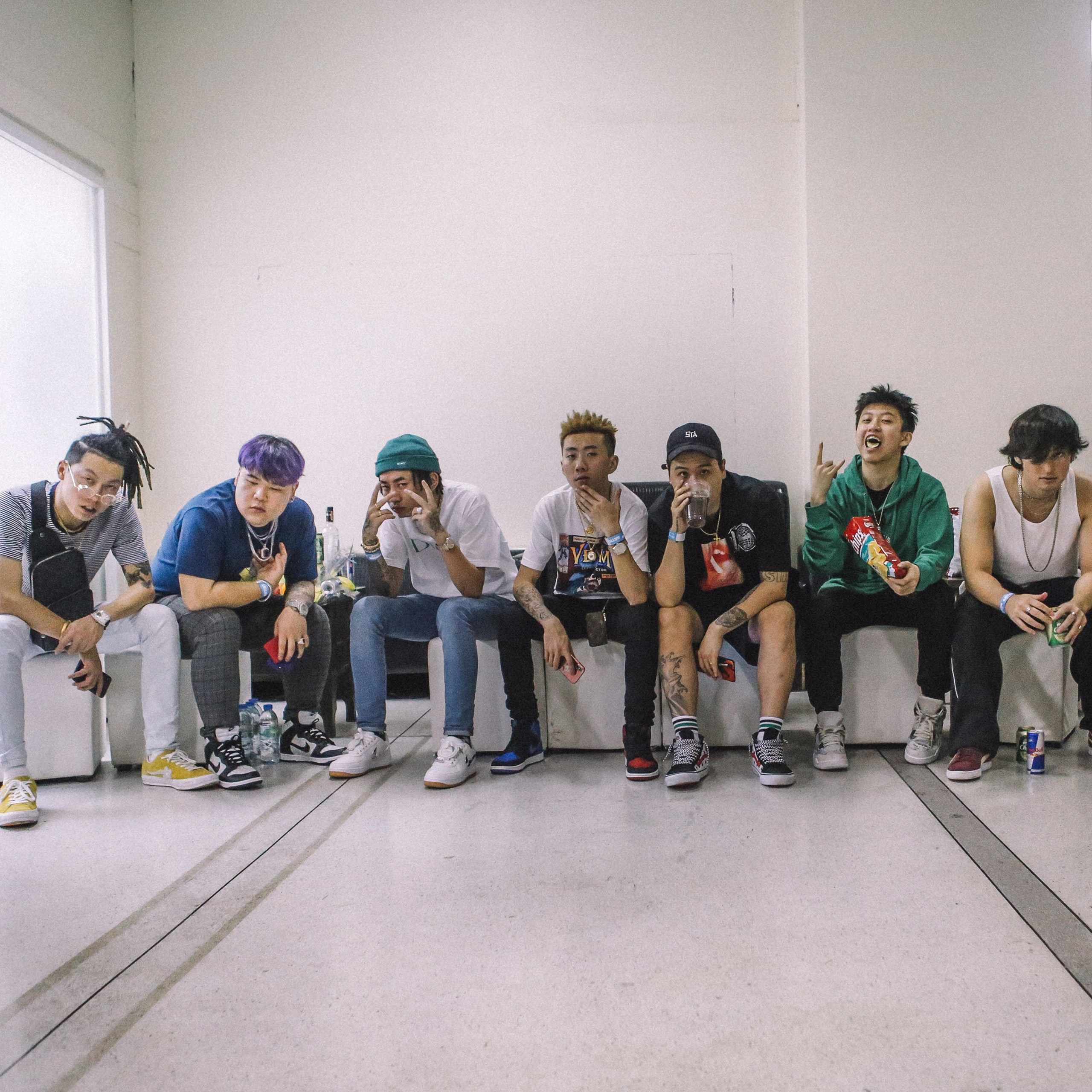 """""""Asia Rising"""": Rich Brian, Joji y muchos más se unen para celebrar al hip-hop asiático en un documental"""