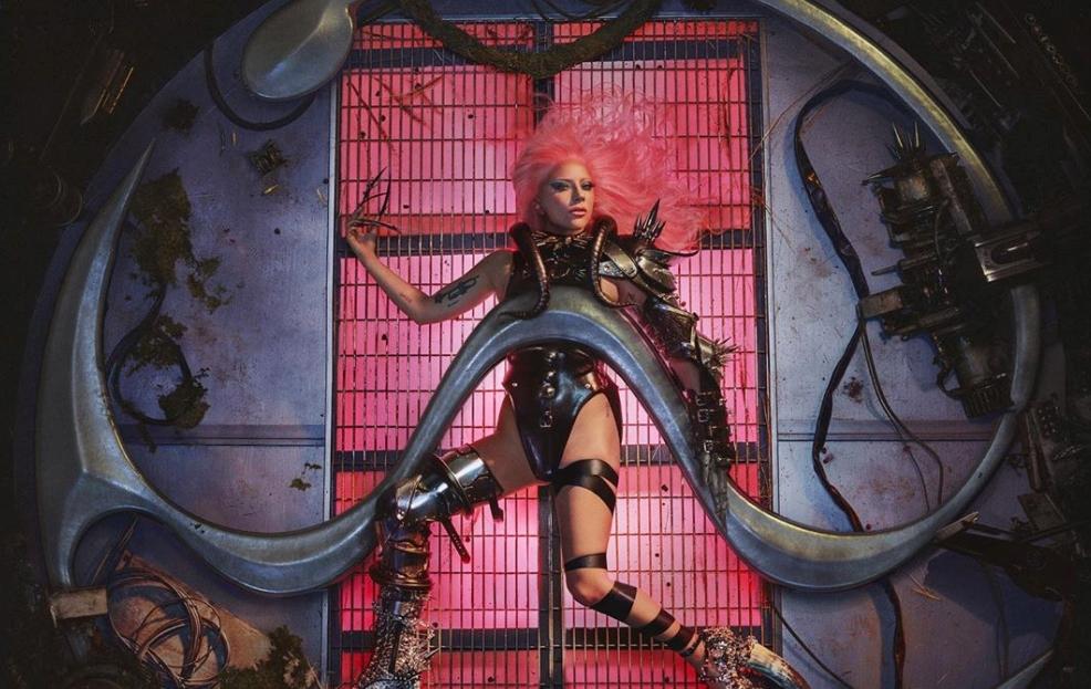 """Lady Gaga revela el tracklist de """"Chromatica"""": habrá collabs con BLACKPINK, Ariana Grande y Elton John"""