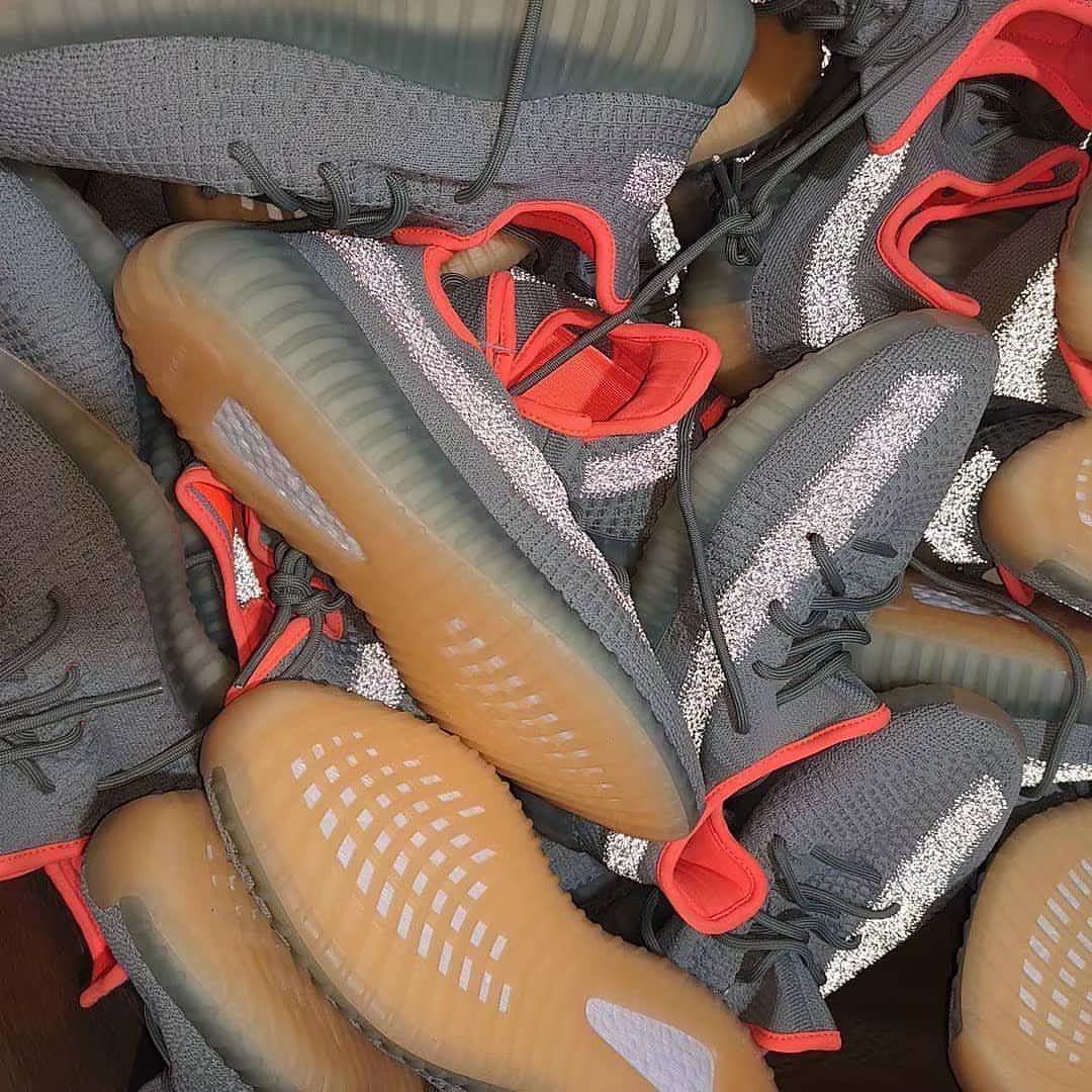 ¿Llegó el fin de la era de las zapatillas deportivas?
