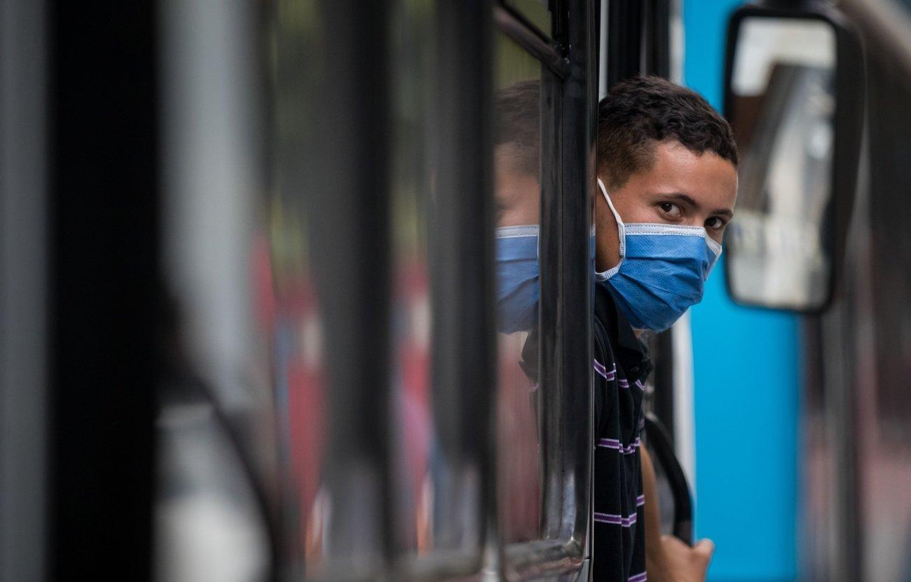 Coronavirus: Hospitales de Santiago de Chile operan al máximo de su capacidad; Brasil superó a EEUU en número de muertes diarias