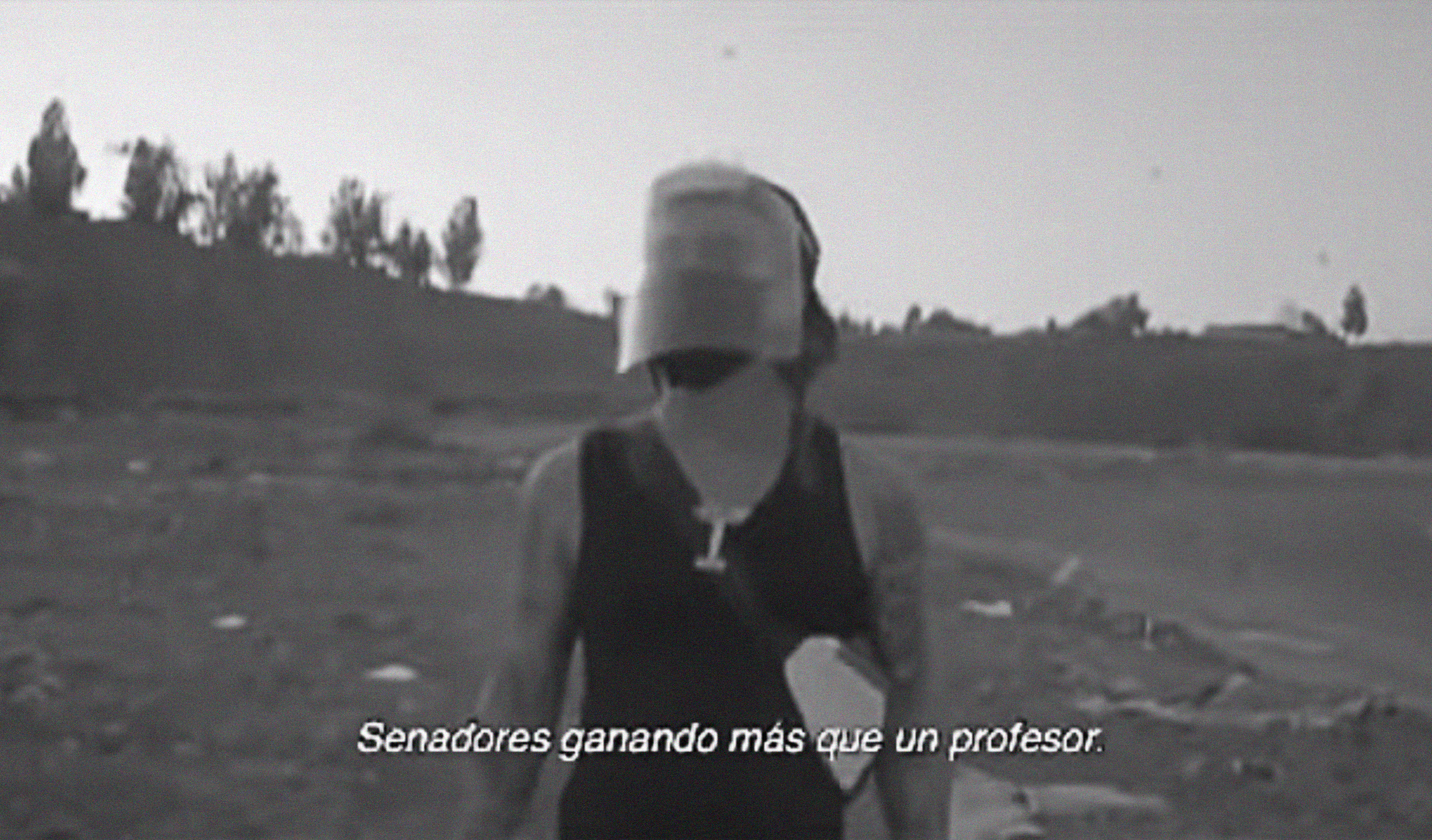 """HAMBRE"": El chileno Pablo Chill-E le da nueva vida a su tema ""Facts"" en un video protesta"