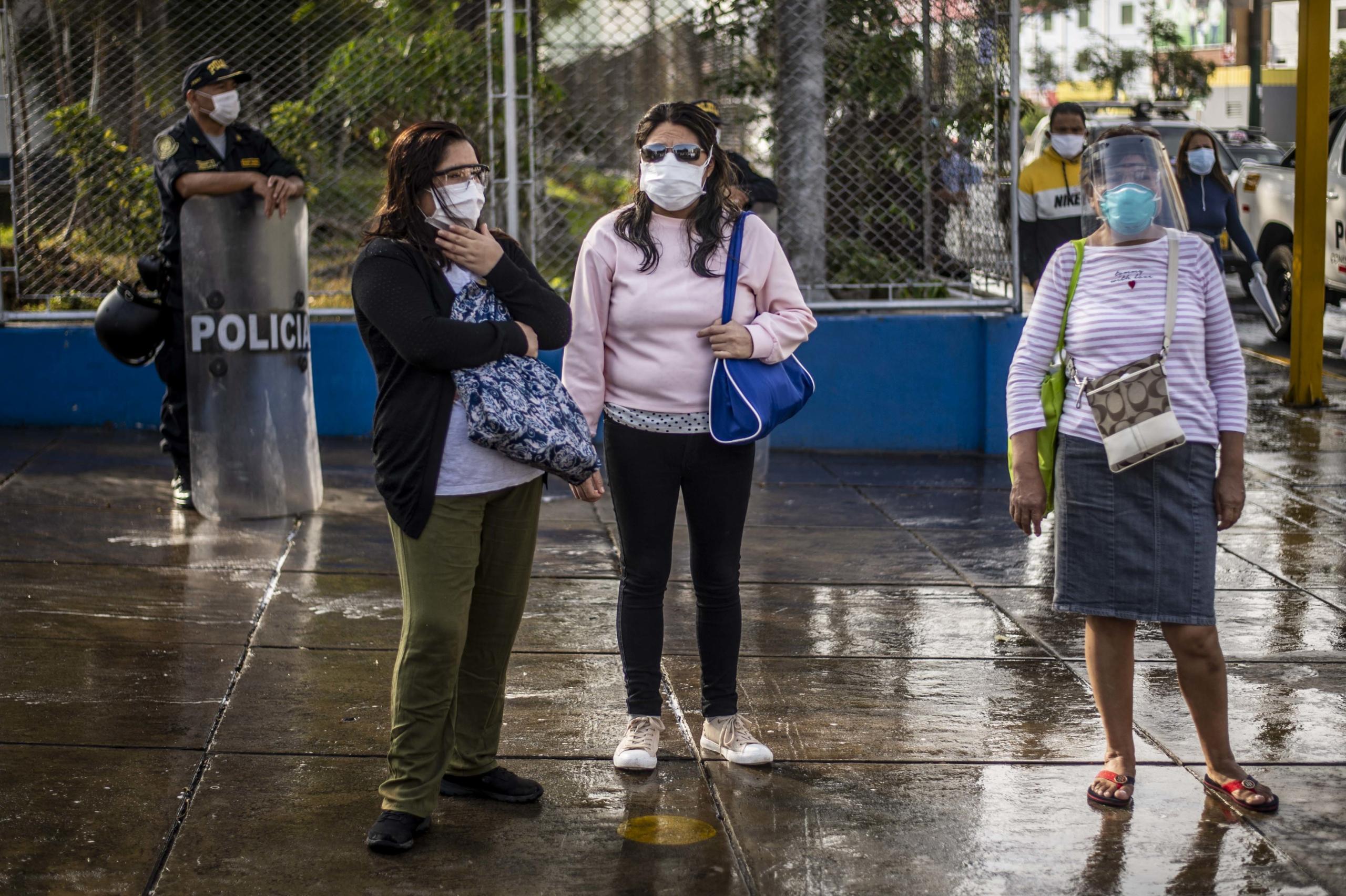 Coronavirus: Chile registra récord y roza los 50.000 casos; Brasil es el tercer país del mundo con más contagios