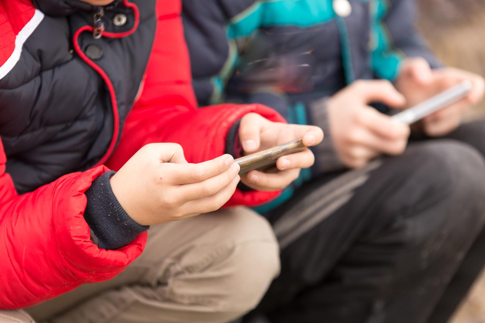 Niñas de hasta seis años fueron encontradas enviando mensajes sexuales explícitos durante la cuarentena