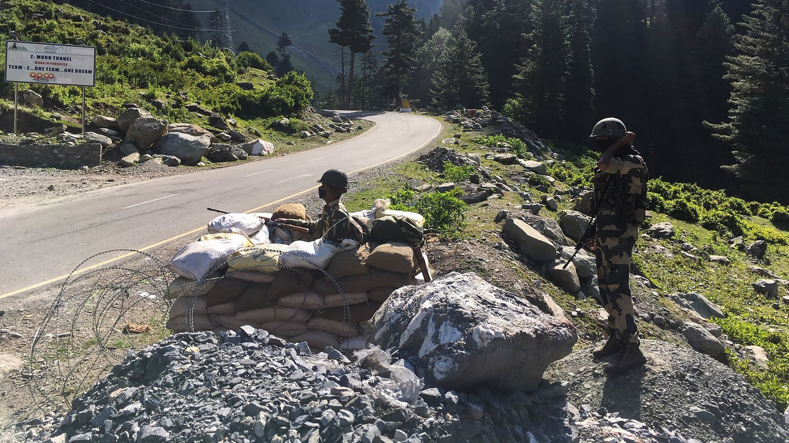 Todo lo que debes saber sobre los enfrentamientos militares entre China e India en el Himalaya