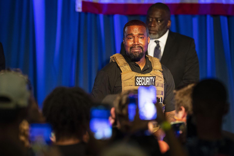 """Kanye West afirma que Harriet Tubman """"nunca liberó a los esclavos"""" en el caótico primer evento de su campaña presidencial"""