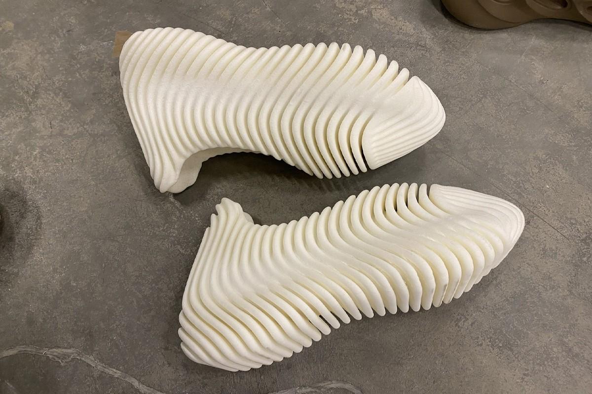 La adidas Yeezy D Rose es la nueva y controversial zapatilla de Kanye West