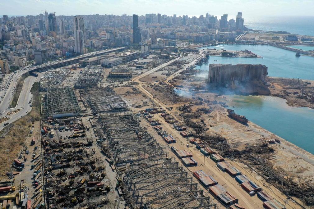 Presidente de Líbano asegura que un misil o una bomba pudieron causar la explosión en Beirut
