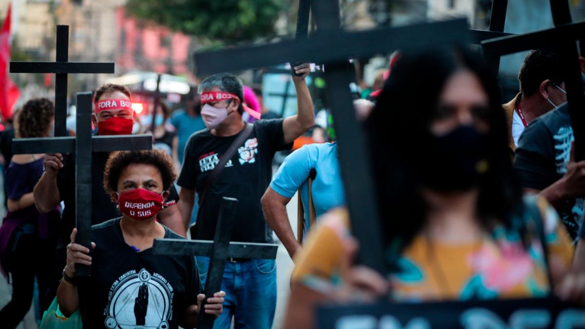 Coronavirus: Brasil superó las 100.000 muertes; 2.5 millones de estudiantes dejaron las escuelas en México