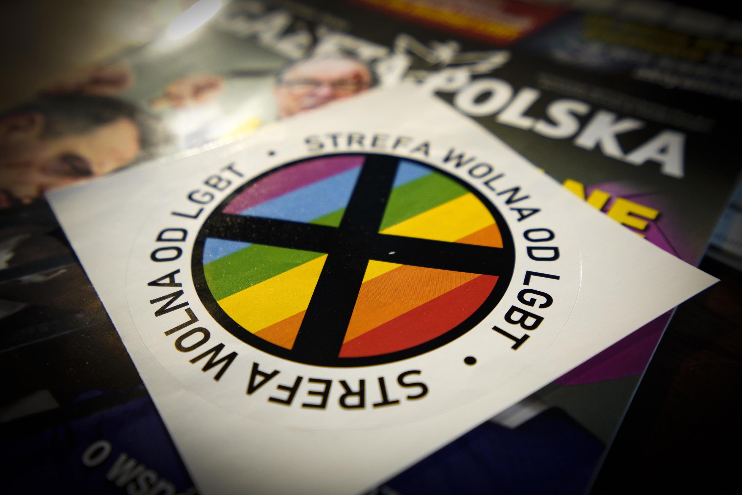 """Polonia: La Unión Europea retira financiamiento a seis ciudades que se declararon """"zonas libres de LGBT"""""""