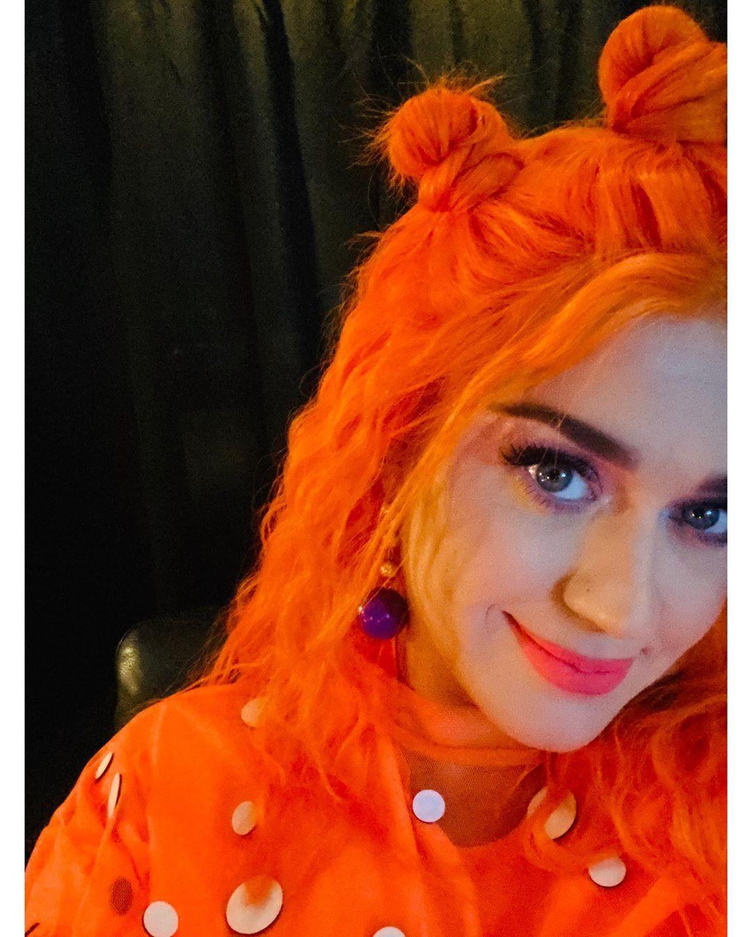 """Katy Perry critica al """"stan culture"""" por enfrentar a las mujeres entre sí"""