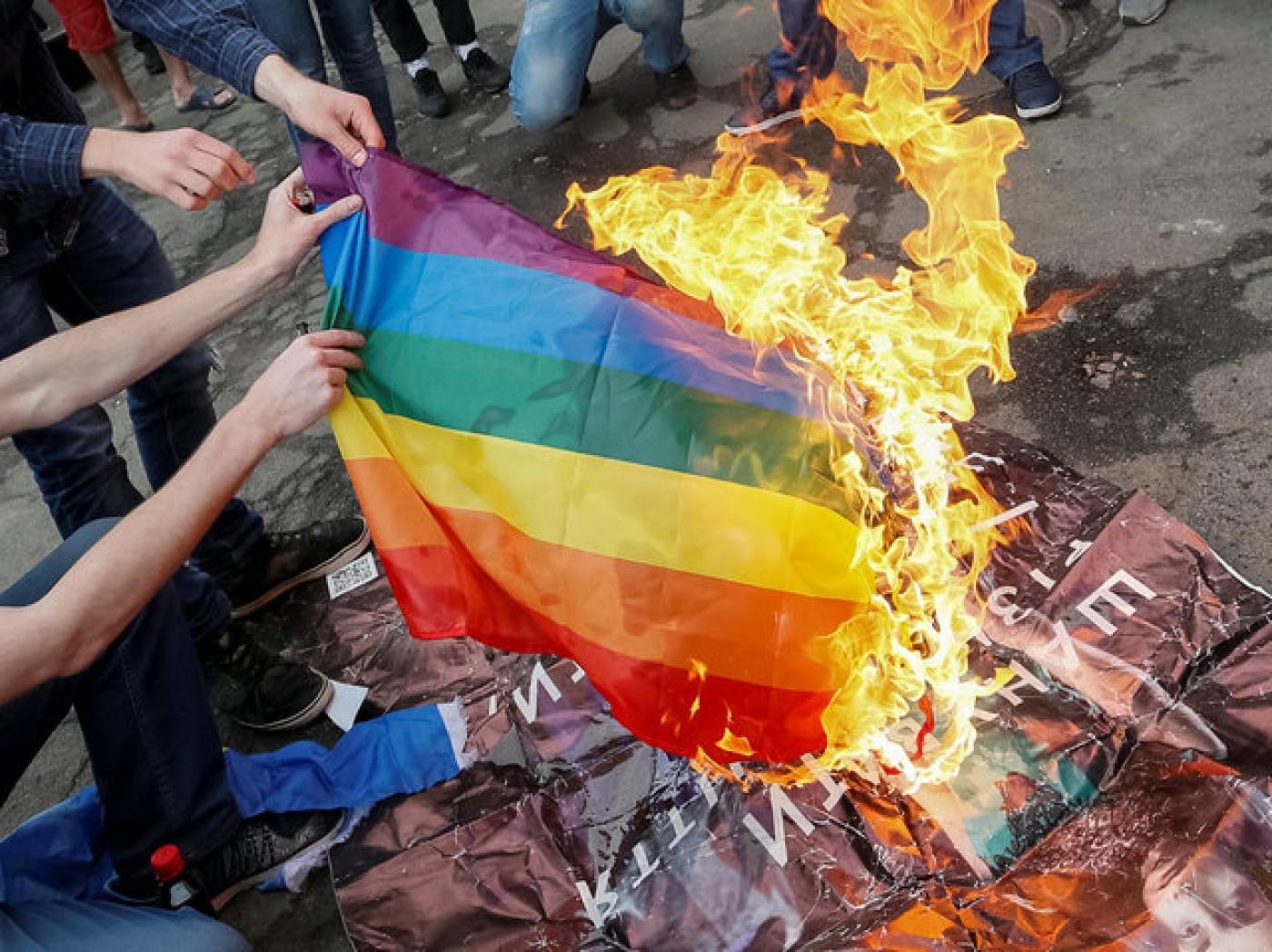 """Lo que necesitas saber del movimiento """"zona libre de LGBT"""" que preocupa al mundo"""