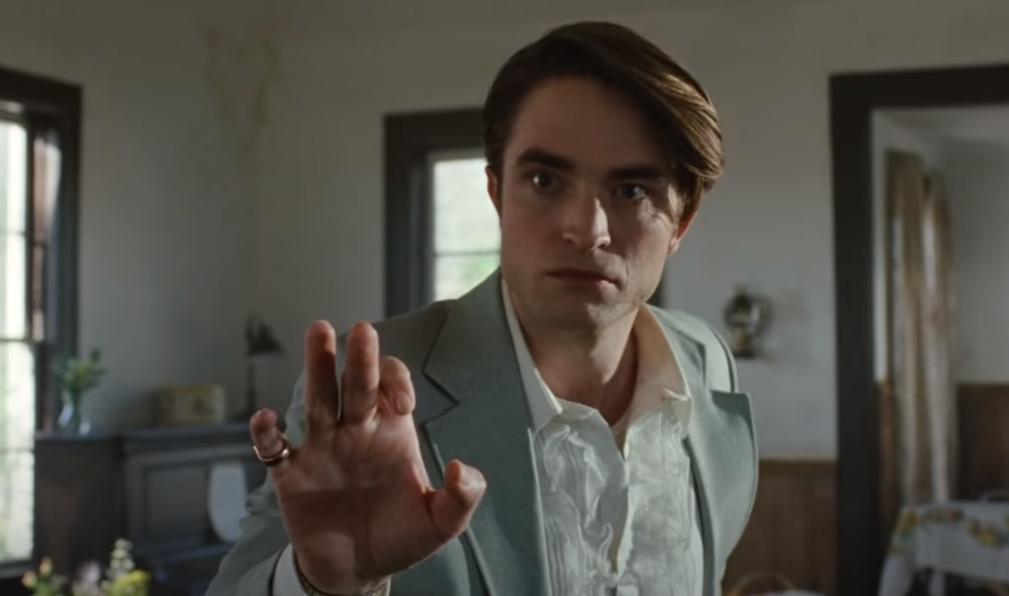 """The Devil All The Time"": Robert Pattinson y Tom Holland se enfrentan en este intenso y oscuro trailer"