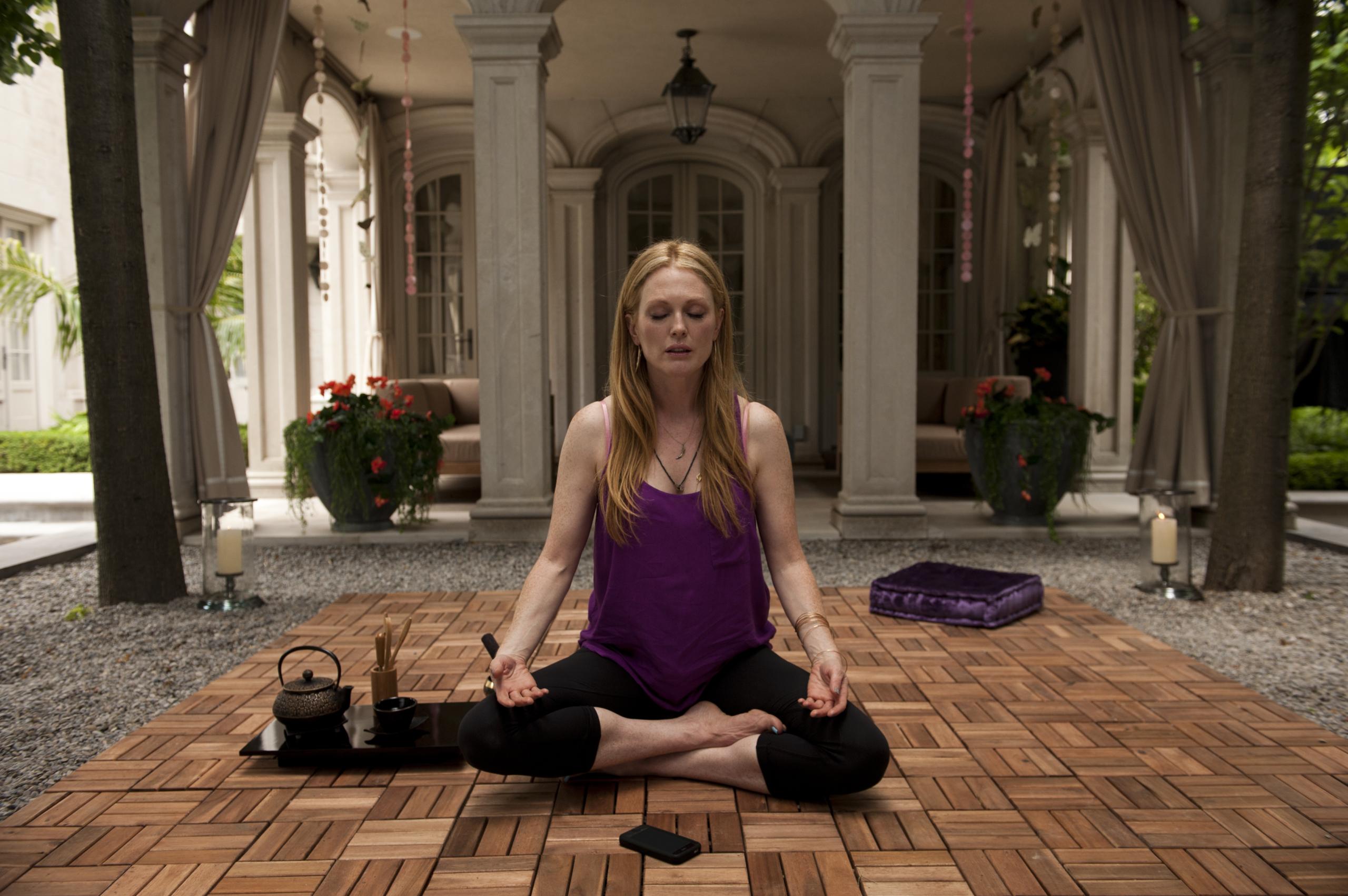 El yoga puede ser igual de efectivo que la medicina para tratar la ansiedad y el estrés, según estudio