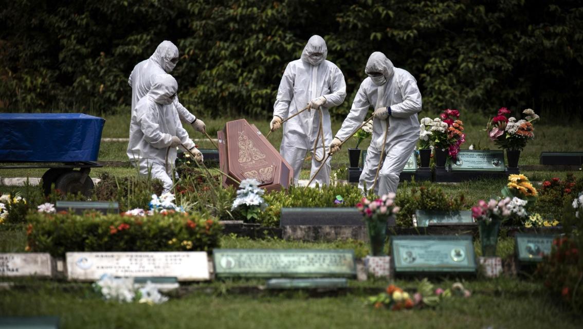Coronavirus: Muertes alrededor del mundo llegan al millón;  Chile anuncia subsidio masivo al 60% del sueldo de nuevos empleos