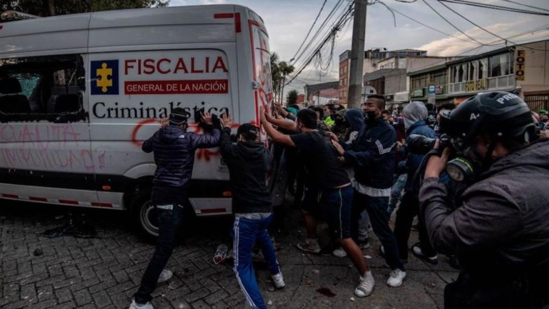 Colombia protesta ante la brutalidad policial tras el asesinato del abogado Javier Ordóñez