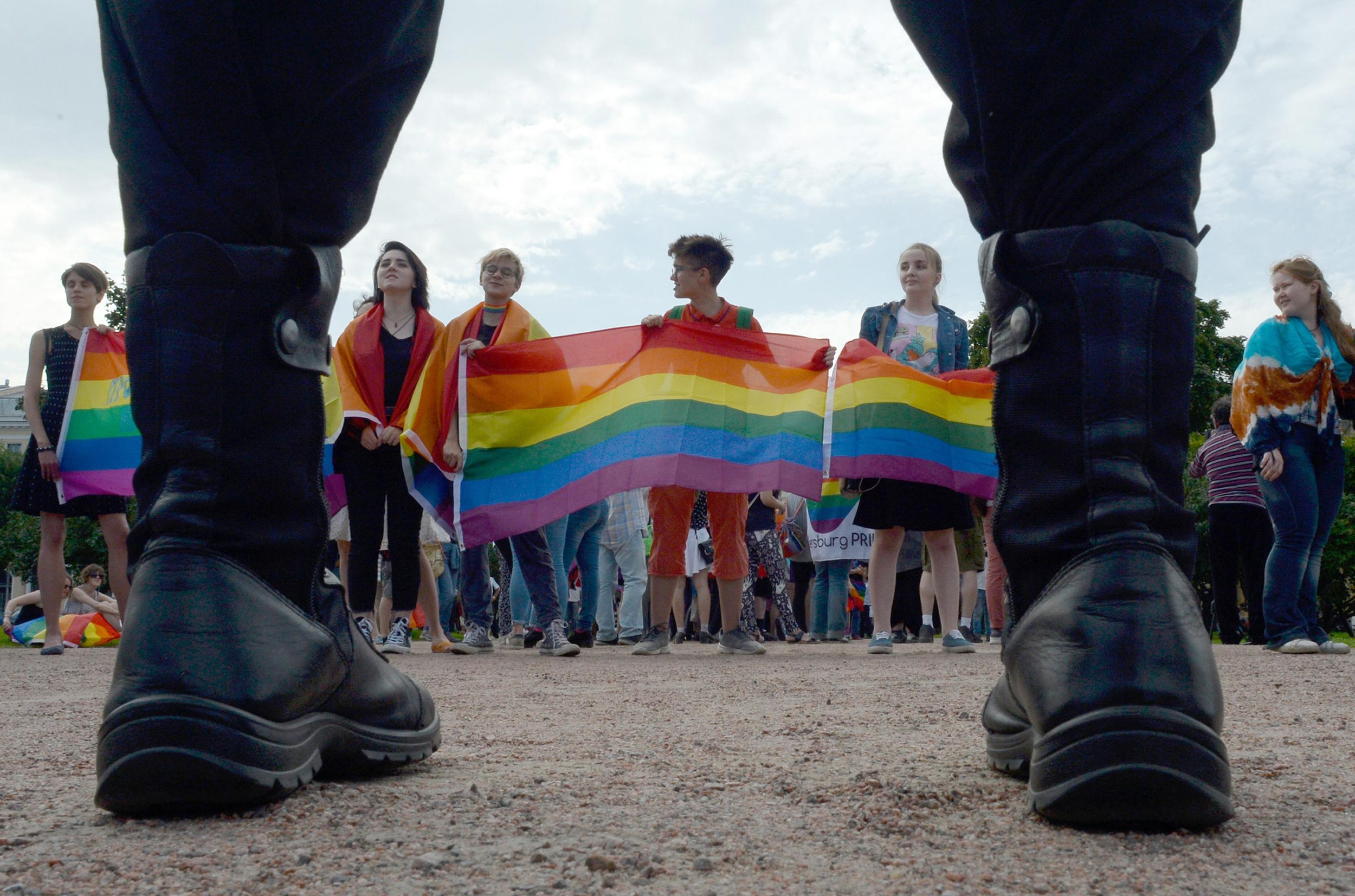 Rusia: Nueva ley prohibiría a las personas trans cambiar su género legal