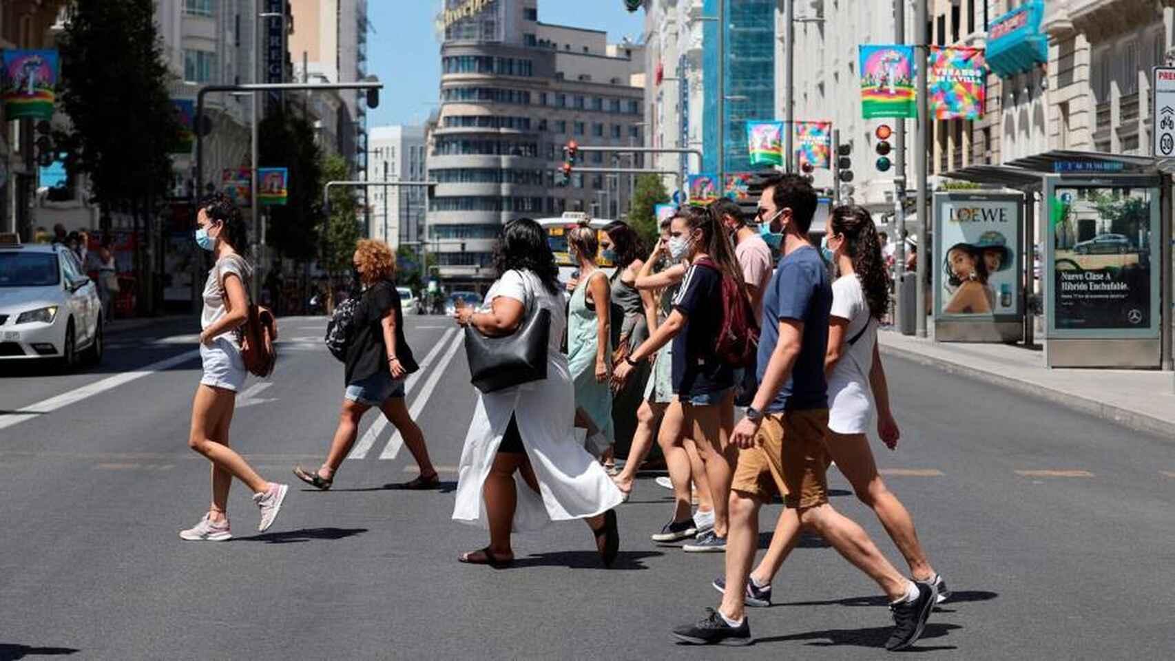 """Coronavirus: Madrid restringirá la circulación de personas para evitar """"estado de alarma""""; Argentina supera los 600.000 casos confirmados"""