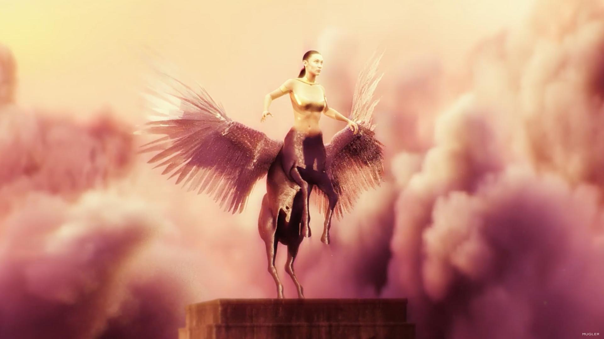 Mugler crea un filme surrealista lleno de fantasía y modelos virtuales para su colección genderless del 2021