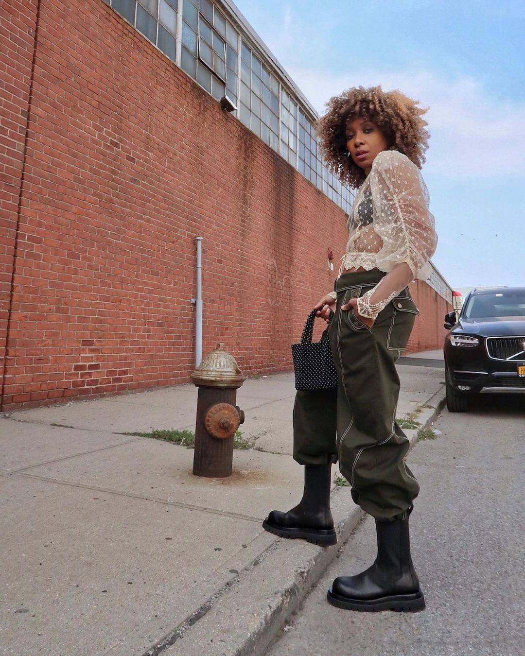 Conoce a Karen Blanchard, la youtuber británica que busca las últimas tendencias en las calles de Nueva York