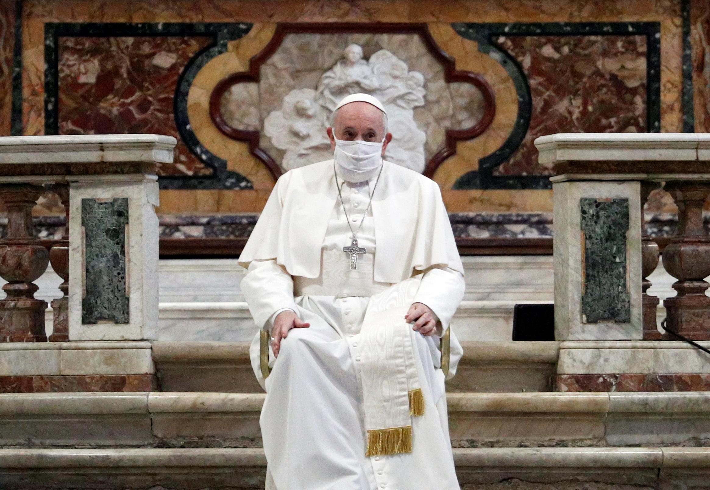 """El 2020 sigue sorprendiendo: El Papa Francisco ahora afirma que """"los homosexuales tienen derecho a tener una familia"""""""
