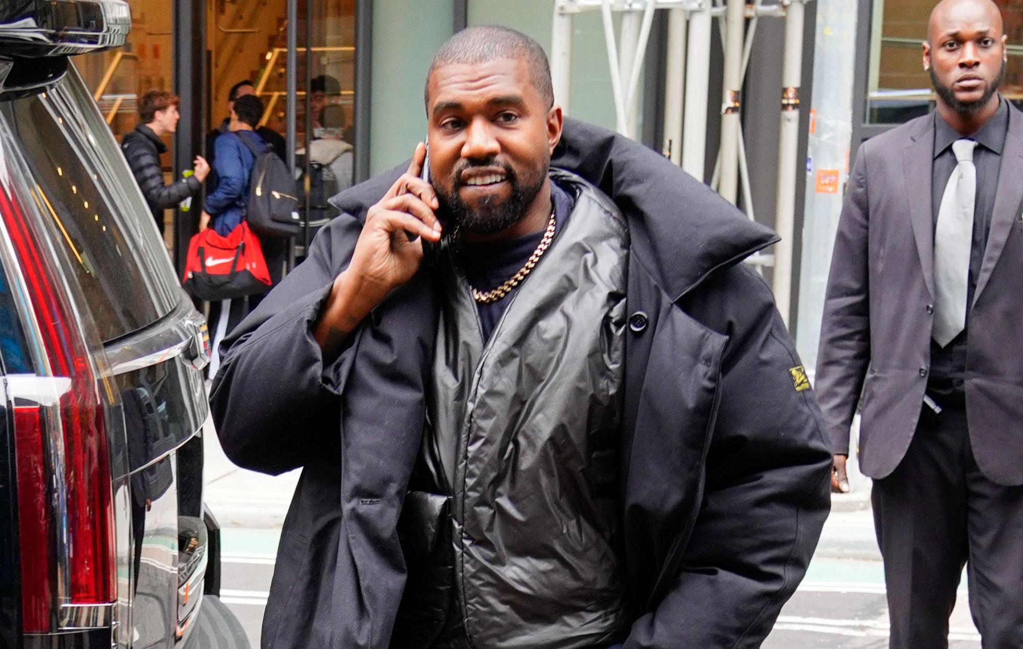 Kanye West demandado por 1 millón de dólares por falta de pago a ex empleados