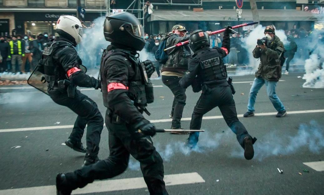 Francia: Parlamento descarta controversial proyecto de ley que restringía el derecho a filmar a la policía