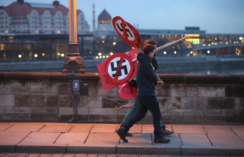 """Alemania prohíbe grupo nazi por reconocer abiertamente a Hitler y """"sembrar el odio"""""""