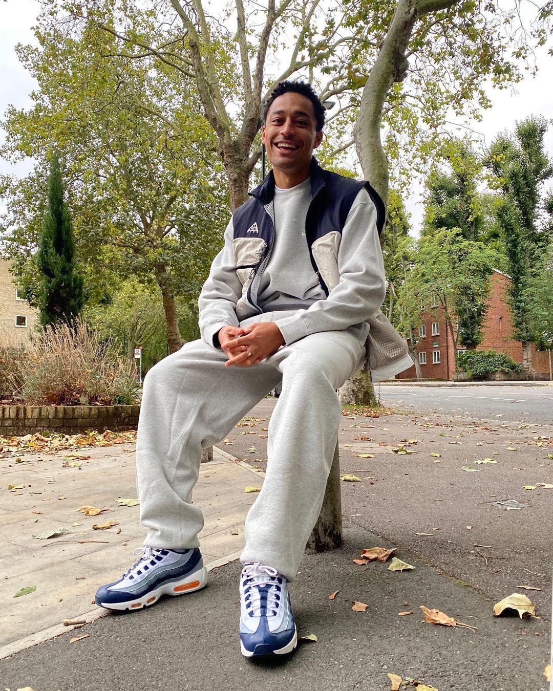 MOR.BO RIOT: Loyle Carner, el rapero londinense que transforma el hip hop en poesía