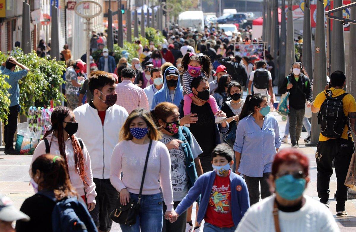 Coronavirus: Chile proyecta segunda ola de casos para enero; vacunas de Pfizer y Moderna podrían aprobarse en Europa a fines de año