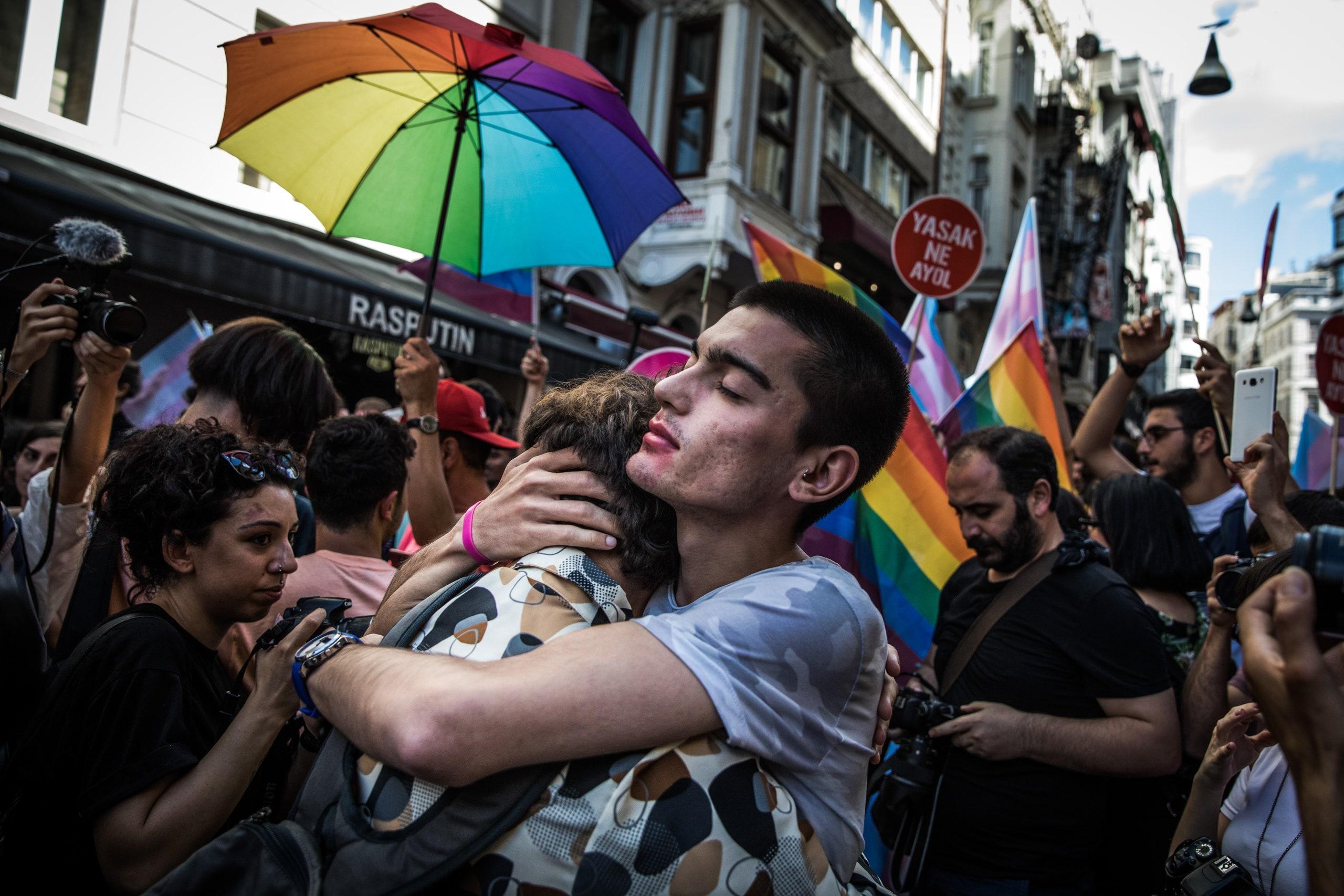 Turquía: 18 estudiantes serán juzgados por organizar y participar en una marcha del Orgullo Gay