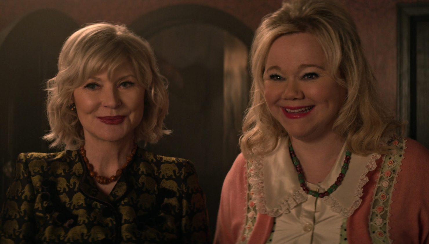 """Las tías Zelda e Hilda originales regresan para """"Chilling Adventures of Sabrina"""""""