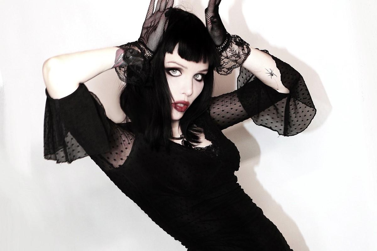 7 lanzamientos recientes que debes escuchar: Alice Glass + Machine Gun Kelly + Prok y más