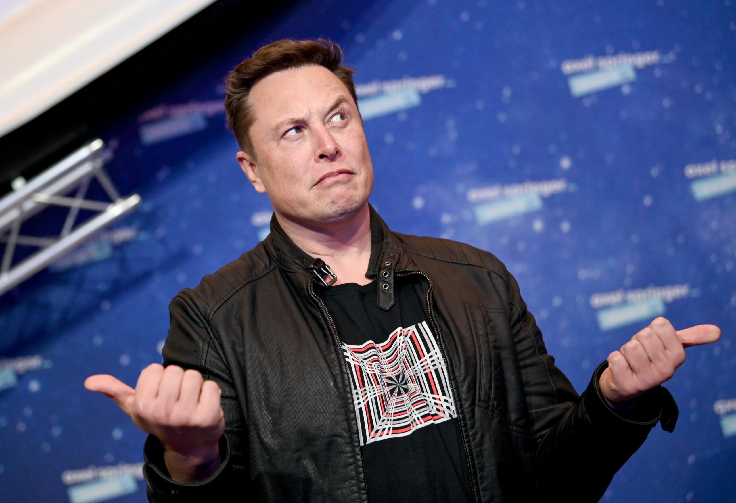 Tesla está empleando gente para defender a Elon Musk en las redes sociales
