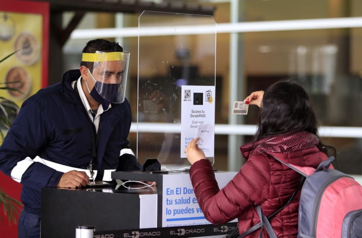 Coronavirus: Chile solicitará prueba PCR para entrar al país; Reino unido comienza inmunización con vacuna de Oxford/AstraZeneca
