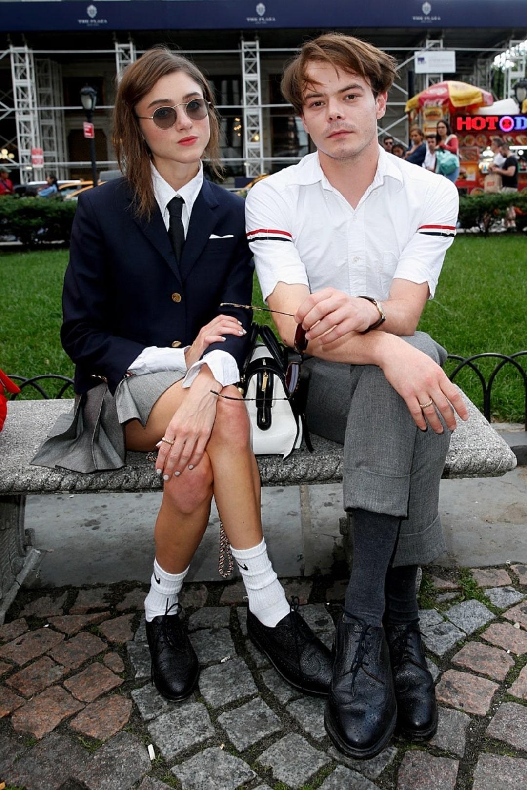 10 looks de Natalia Dyer y Charlie Heaton que los convierten en la pareja más fashion de Netflix