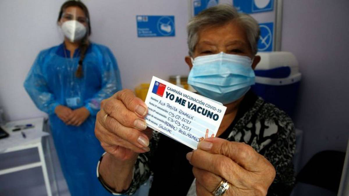 Coronavirus: Chile alcanza los 3 millones de vacunados; EE.UU. repartirá 25 millones de mascarillas gratuitas