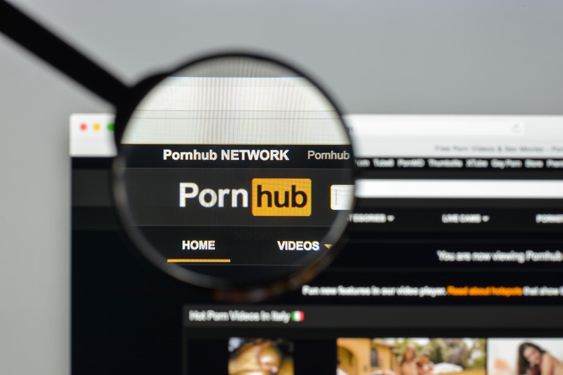 Pornhub pone más sistemas de seguridad en su website: autenticará con tecnología biométrica a quienes suban videos