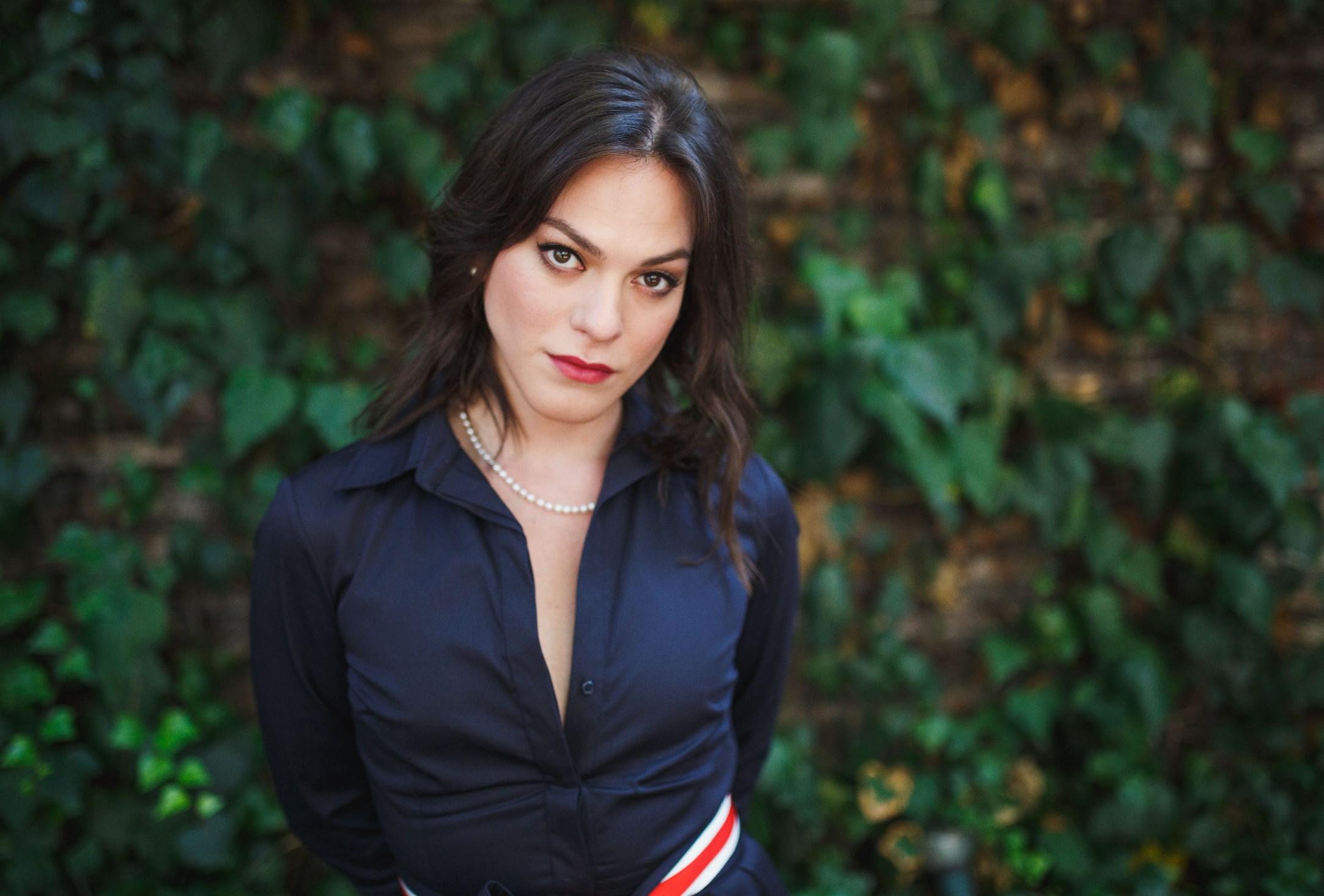 Chile: Interrogado por la PDI autor del videojuego que promovía el asesinato de figuras como Daniela Vega y Las Tesis