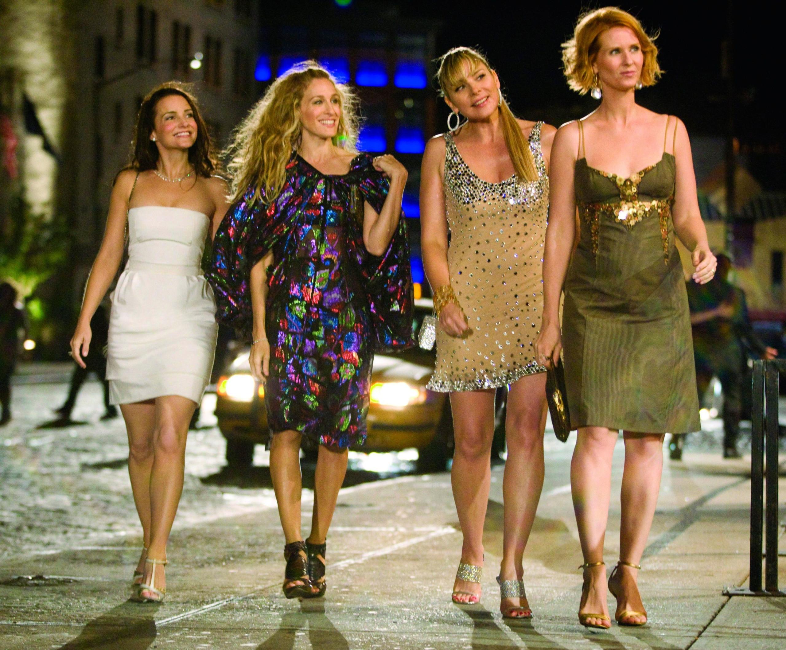 """10 looks de """"Sex and The City"""" que la convierten en una serie legendaria para los fashionistas"""
