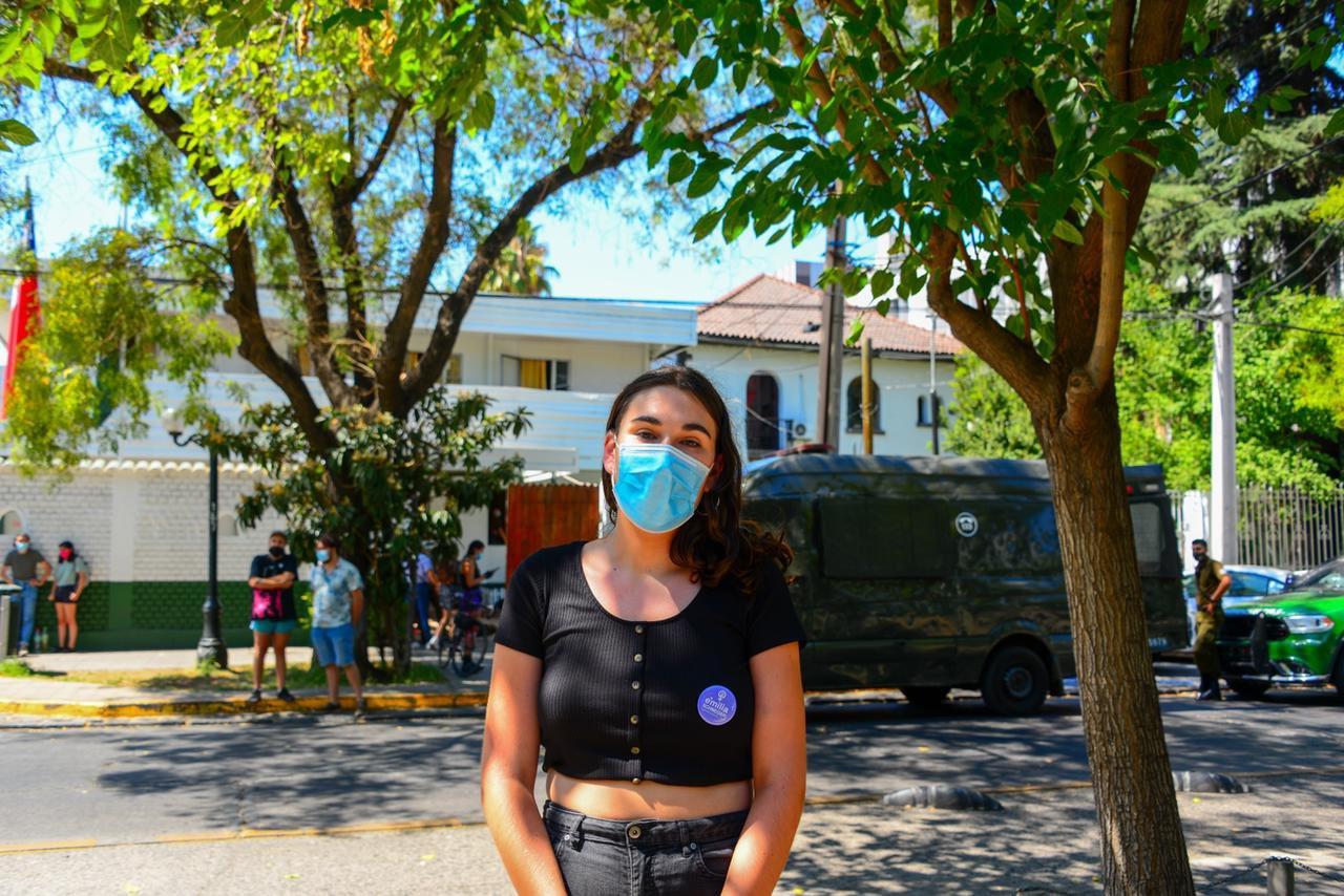 """Chile: Emilia Schneider califica su detención por parte de Carabineros como """"desproporcionada"""""""