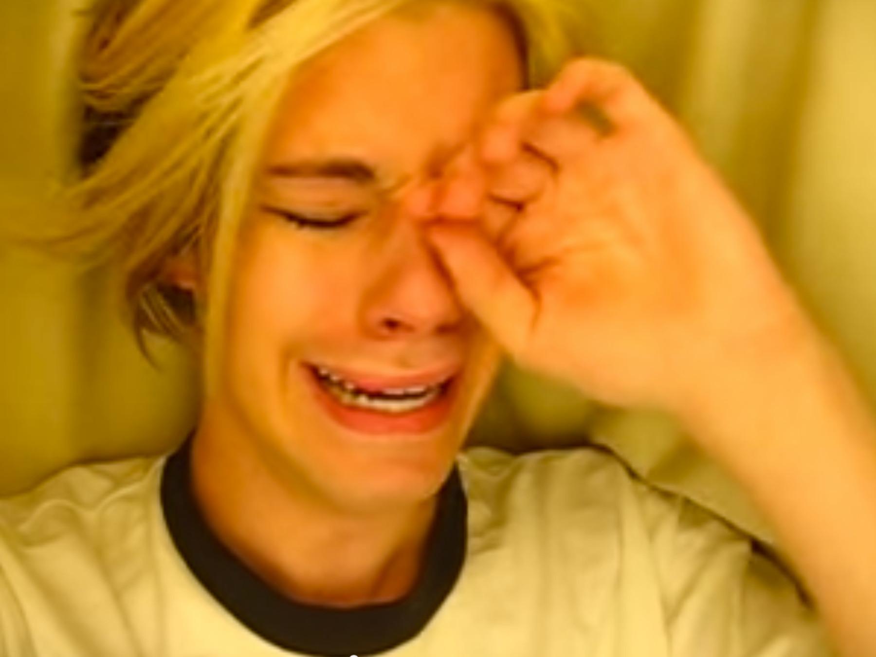"""Chris Crocker vende un NFT de su video viral """"Leave Britney Alone"""" por 41.000 dólares para financiar su transición"""