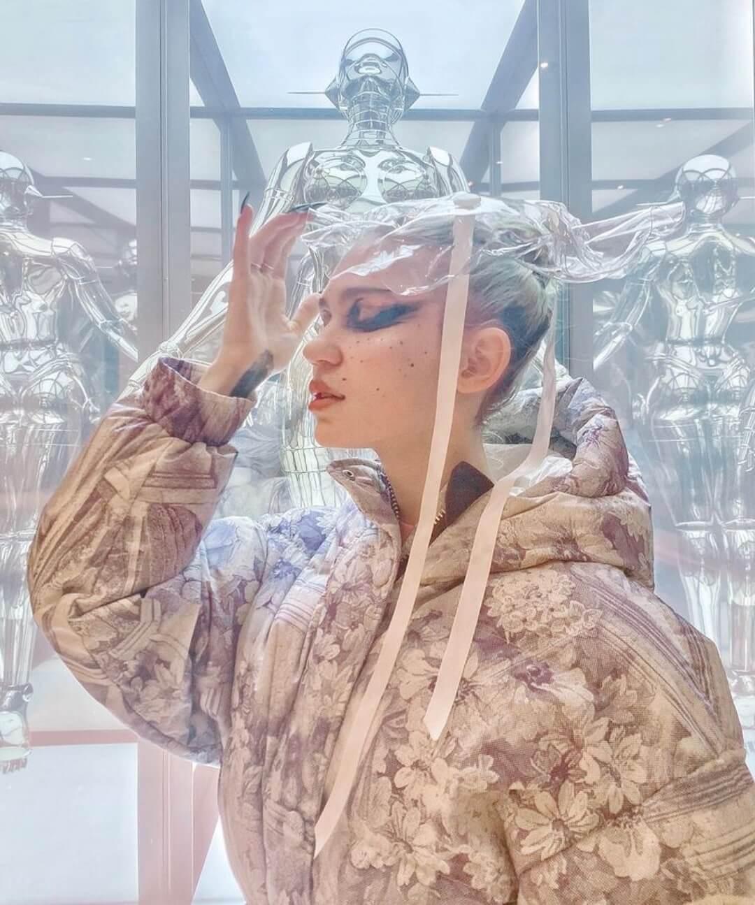 """Grimes celebra con una playlist el reconocimiento de la música """"etérea"""" como género por parte de Spotify"""